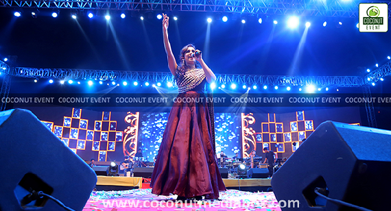 Shreya Ghoshal singing songs in Ahmedabad live show  February feb 2017 Concert Managed by Coconut Media Box Mumbai