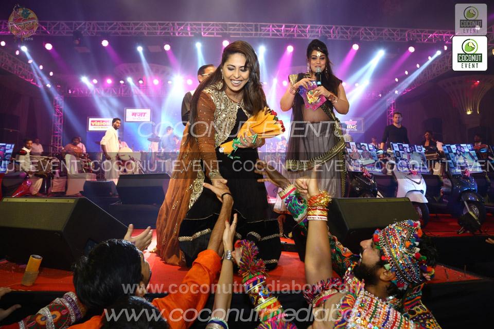 Choreographer Geeta Kapoor at Dildar Dandiya Surat