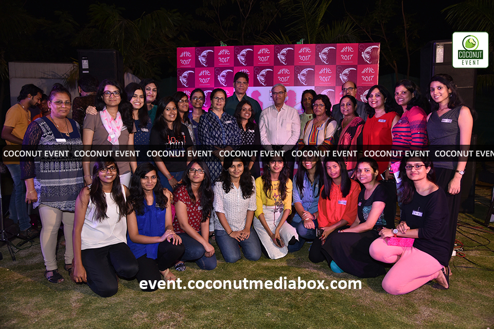 HPCL's Mumbai Refinery 2017 Women's Day where we can see a group photo is clicked amidst this successful event which is managed by Coconut Event Mumbai