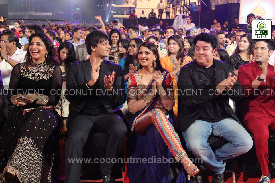 Bollywood celebrities in Award Function