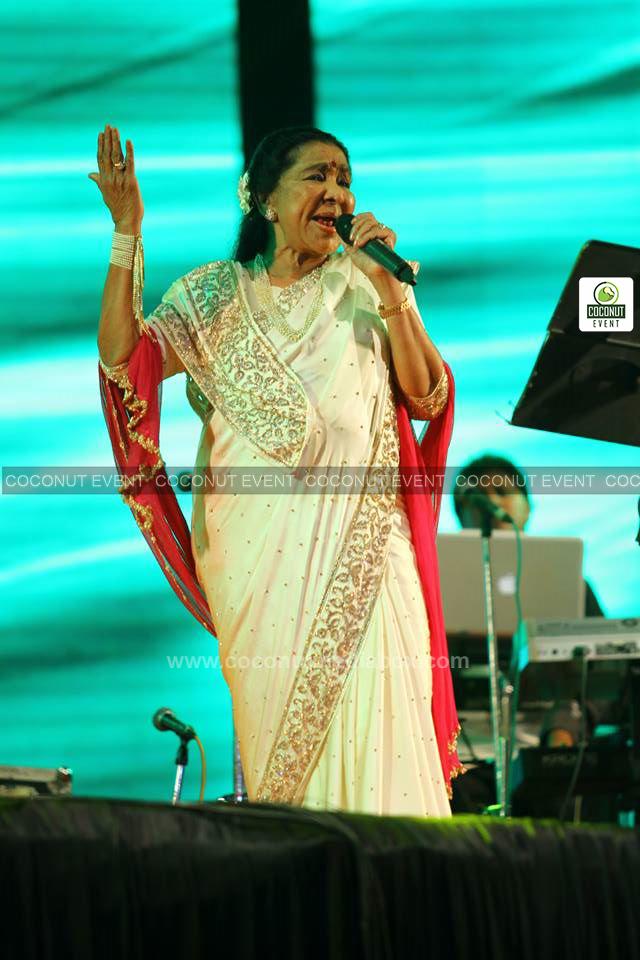 Asha Bhosle live in Ahmedabad