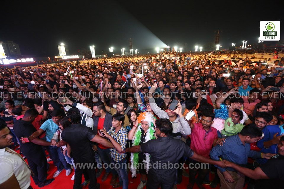 Sonu Nigam Concert 2016 - Audience at Ahmedabad