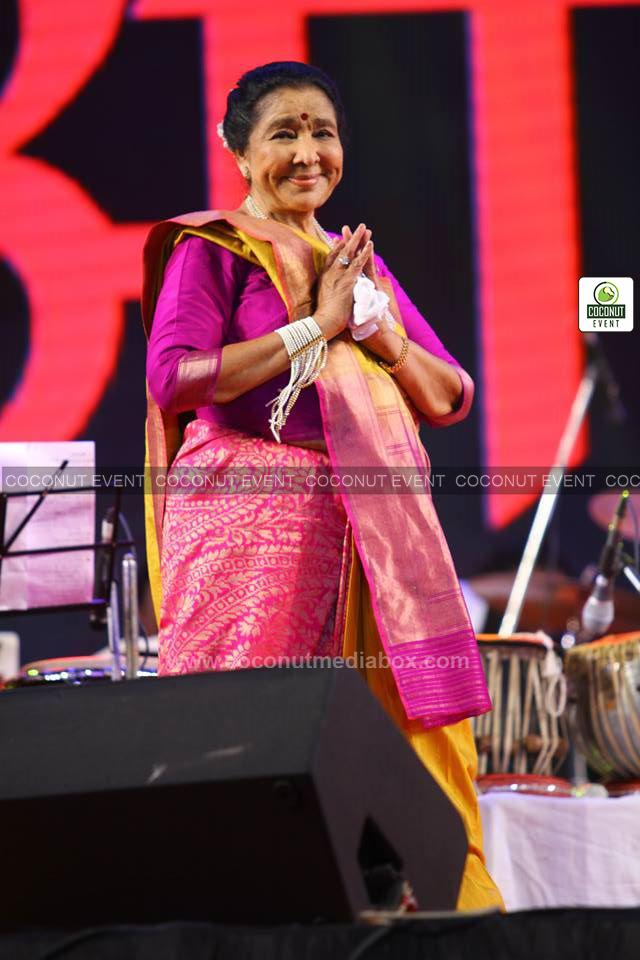 Asha Bhosle in Vadodara Live Concert