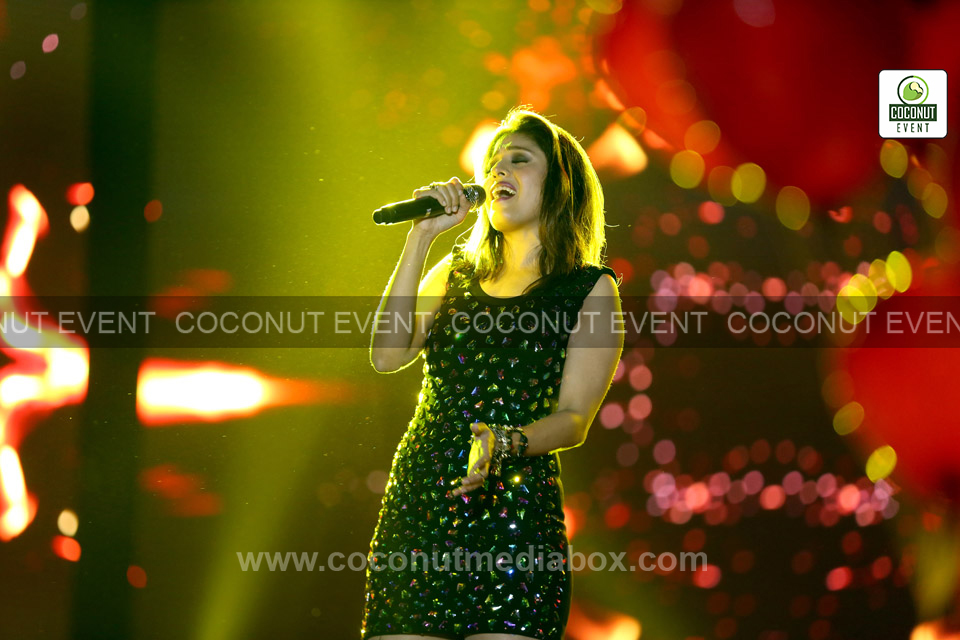 Versatile Singer Sunidhi Chauhan live concert at Ahmedabad