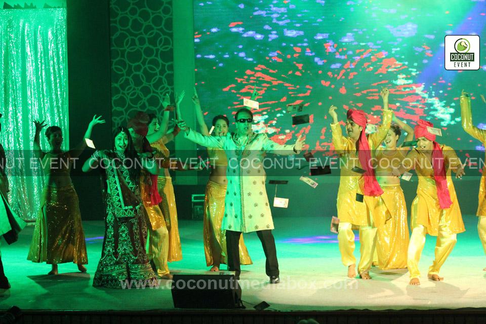 Anant & Anchal Dancing