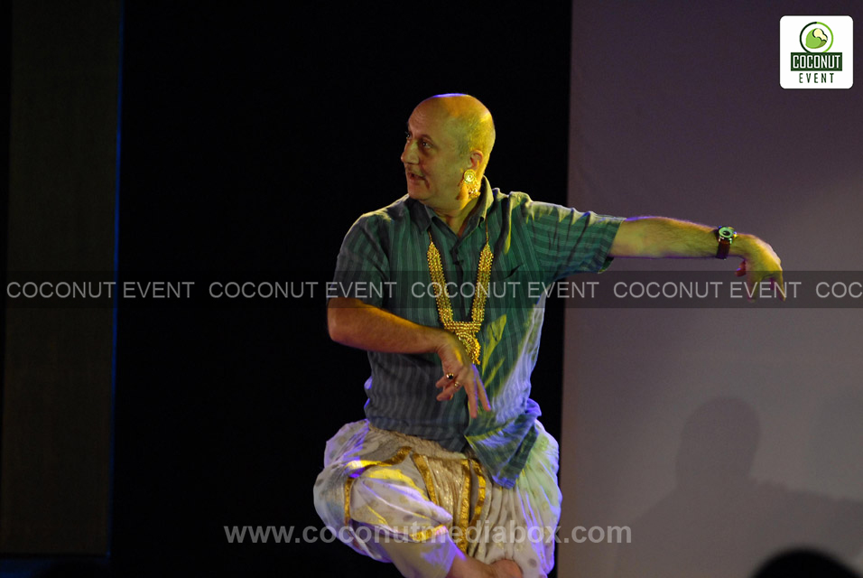 Anupam Kher in Theatre Play