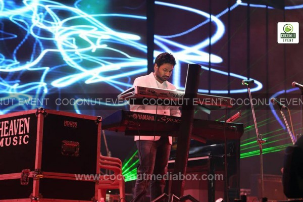 The great Indian playback singer Mithoon live in concert 2014 managed by Coconut Media Box