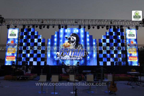 Coconut Media Box organized  an event with Pritam Chakraborty live in concert at Ahmedabad, Gujarat held in February live 2016. Event managed by Coconut Media Box